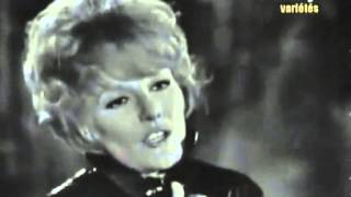 Watch Petula Clark Downtown video