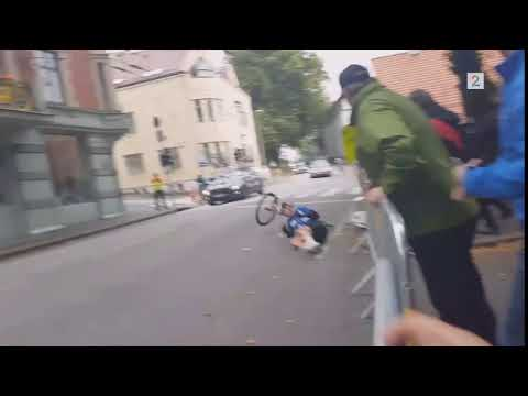Brutal carsh at Bergen UCI cycling world championship 2017