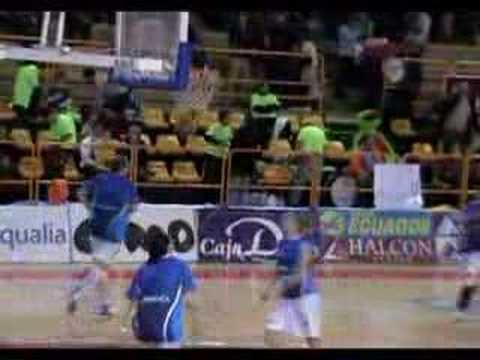 Montaje sobre el club de baloncesto Perfumerías Avenida de Salamanca www.figurasdecine.es http://es.geocities.com/avenidabasket.