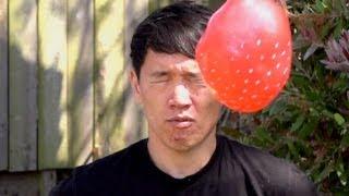 Globos de agua en la cara