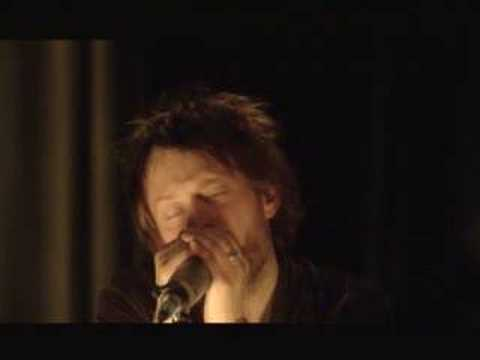 Nude - Radiohead   (live From The Basement) video