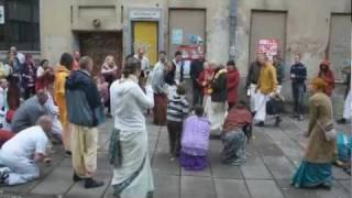 2011.10.22. Vyasa Puja 2011 -1- Arrival Kirtan - Kaunas, Lithuania