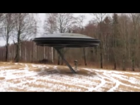 ALIEN GOES INSIDE FLYING SAUCER!!! CLEAR UFO FOOTAGE!! 2nd January 2018!!!