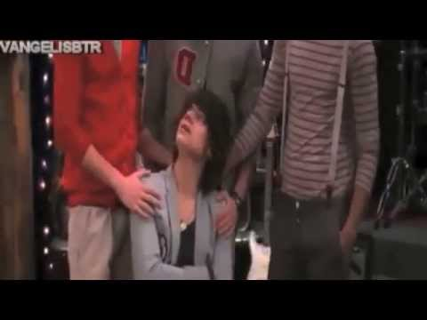 "One Direction's parts in iCarly ""iGo One Direction"""