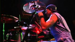 Red Hot Chili Peppers - Skinny Sweaty Man (Live) [Off The Map DVD]