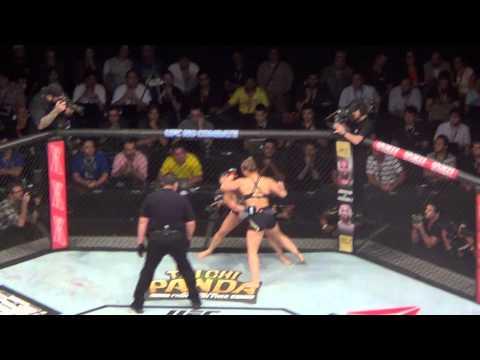 Ronda Rousey x Bethe Correia - HSBC ARENA