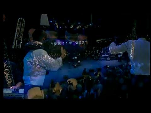 YAAKOV SHWEKEY et TSAHAL sur scène.wmv