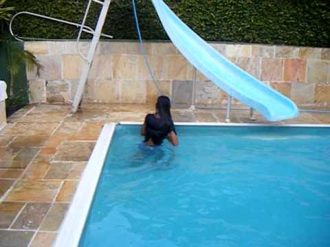Bianca na piscina!