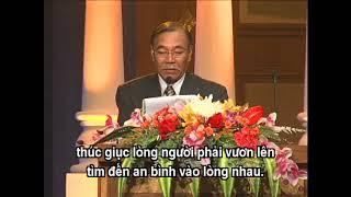 """NS Trần Quang Lộc phát biểu trong """" Nghệ Thuật Thiên Đàng """" của Thanh Hải Vô Thượng Sư tại Thái Lan."""