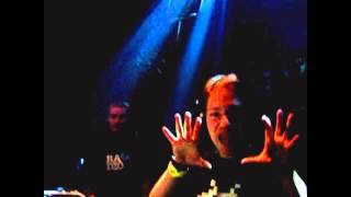 Dj Ocram @ Sandy Warez B-Day (Hangaar, Oostende) 04.02.2006 (Shortvideo)