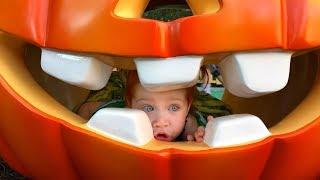 Playing at Disneyland! TOON TOWN!!