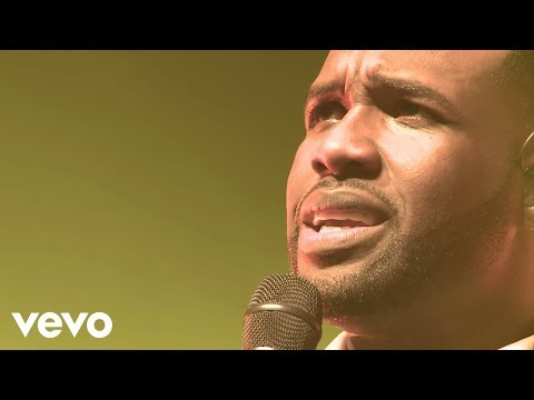 Vashawn Mitchell - Turning Around For Me (live) video