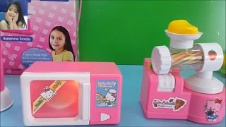 Đồ chơi trẻ em Hello Kitty Mini Home Appliance Set Blender, Microwave Play Doh