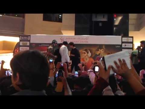 CHENNAI EXPRESS -SHAH RUKH KHAN HUGE FAN IN ARABIAN CENTRE