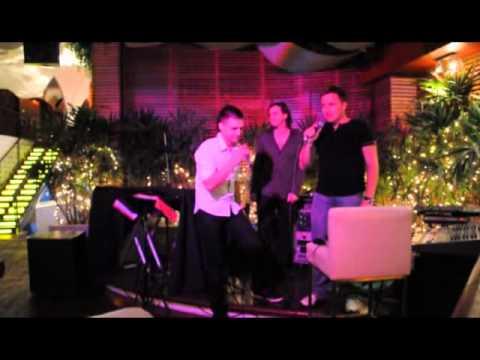 Два парня в ТАЙЛАНДЕ поют песню ЛЕПСА