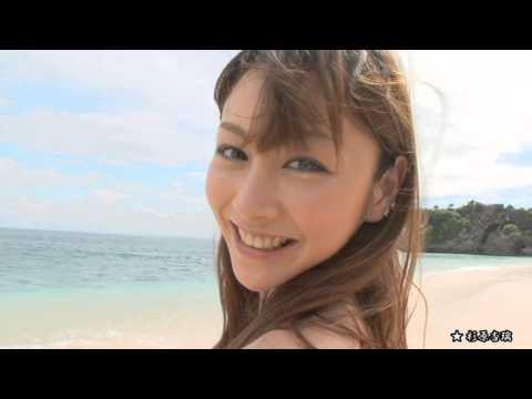 【杉原杏璃グラビア動画】杉原杏璃-ビキニでビーチバレーして巨乳おっぱいユサユサ画像