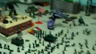 MINI MICRO ARMY MEN GREEN vs GRAY TOY REVIEW!