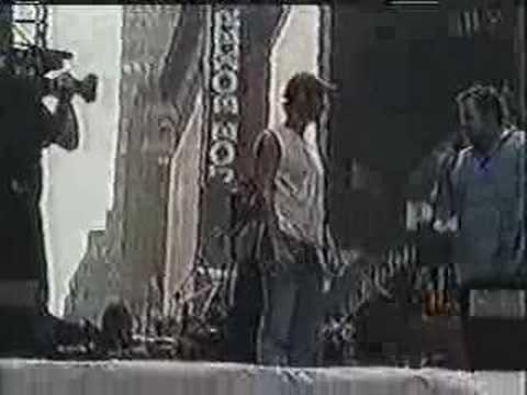 Patrick Wilson performing Man