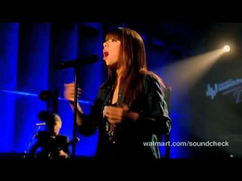 Carly Rae Jepsen - Your Heart Is A Muscle (Live)