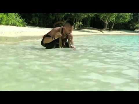 Vaas on snorkeling (Michael Mando &amp; Christopher Mintz-Plasse)