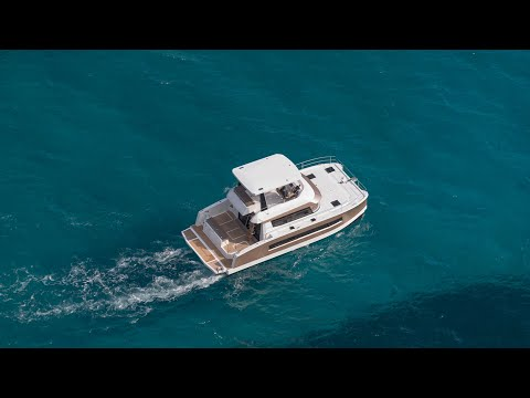 MY 37- Fountaine Pajot MOTOR YACHTS (english version)