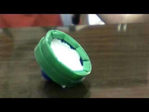 Como fazer um beyblade de tampinha de detergente