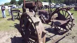 Super Old John Deere Tractor