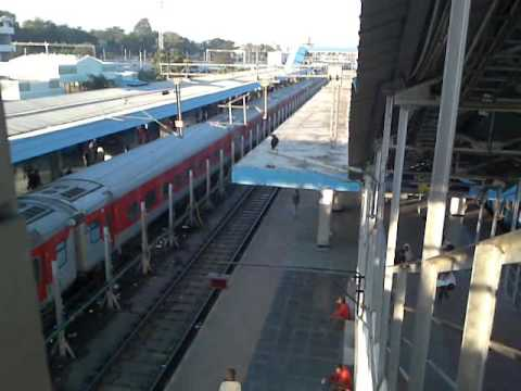 Bangalore NZM Rajdhani Express arrivest at Secunderabad Jn station
