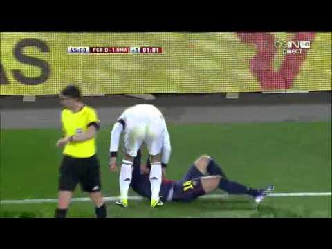 Jordi Alba s'énerve contre Sergio Ramos (26/02/13)
