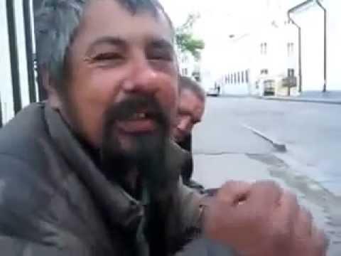 Поздравление мужчине с днем рождения от бомжей