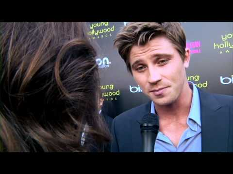 Garrett Hedlund talks about Kristen Stewart & Sam Riley at Young Hollywood ...