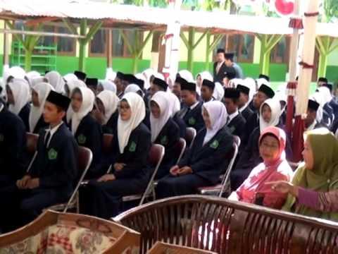 download lagu Wisuda Purna Madrasah Darun Najah 2015 gratis