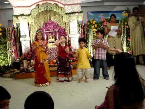 Krishma dancing Choti Choti Gaiya...