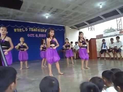KC dancing WAKA WAKA (SHAKIRA)