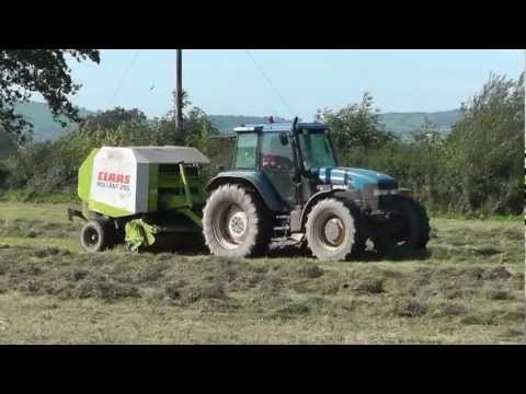 Silage 2011 Round Baling with New Holland 8360 and Claas R255.