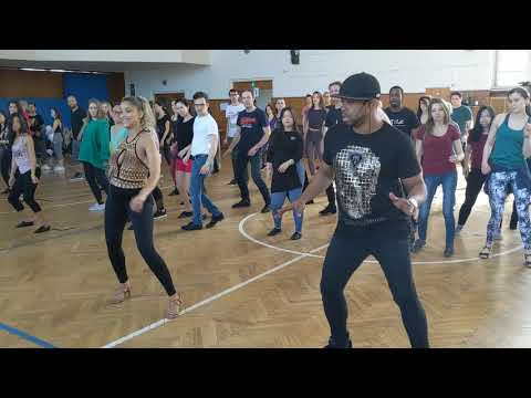 Fernanda & Carlos in workshop warmup @PZC2019 ~ Zouk Soul