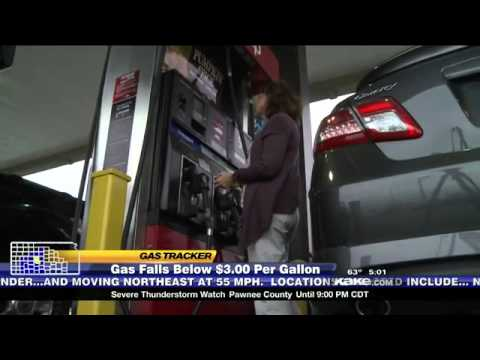 Gas prices reach a record low for fall