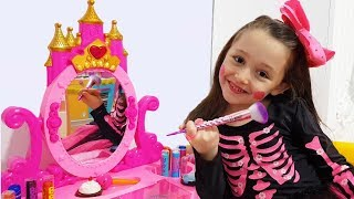 Öykü Pretend Play Dress Up and Make Up Toys - Princess Party Prepation - Funny Oyuncak Avı