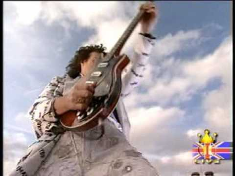 Brian May God Save the Queen - Buckingham Palace 2002