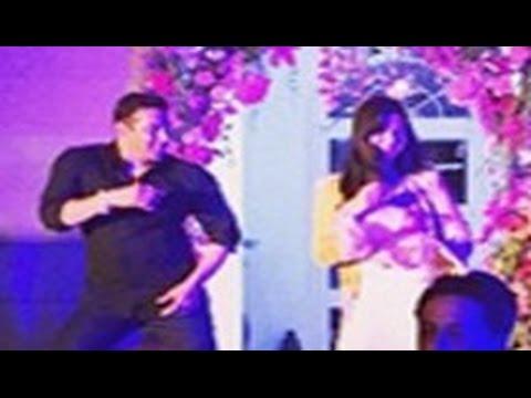 Salman Khan Embarrassed Katrina Kaif On Arpita Khan Wedding