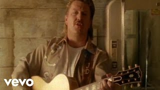 Watch Joe Diffie Texas Size Heartache video