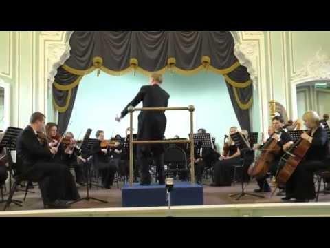 Моцарт Вольфганг Амадей - Серенада № 2 (4 контрданса) для оркестра