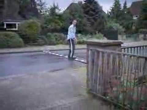 Coches - Bandas reductoras en el asfalto