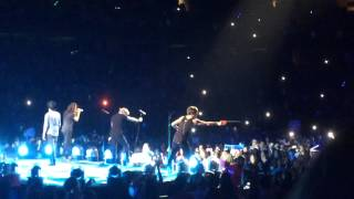 One Direction Singing You And I 09/9/15 Ottawa OTRA TOUR