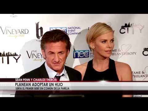 Sean Penn y Charlize Theron planean adoptar un hijo