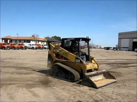 2002 Caterpillar 257 skid steer for sale | no-reserve Internet auction May 30, 2013