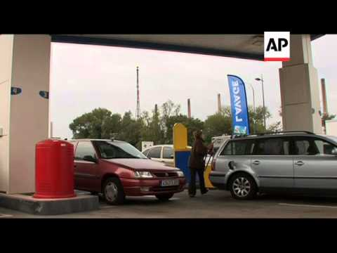 Fears of fuel shortages at petrol station, Lyon refinery