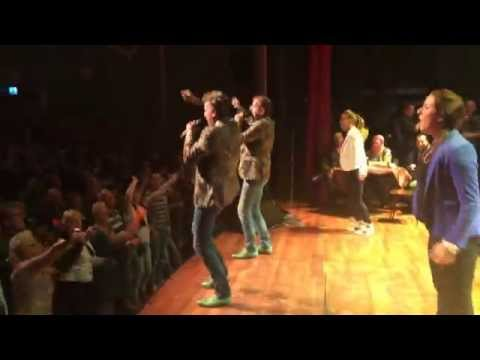 de Dikdakkers - Cowboys & Indianen (de Wannebiezz theaterfeest Ol de Wee 2014)