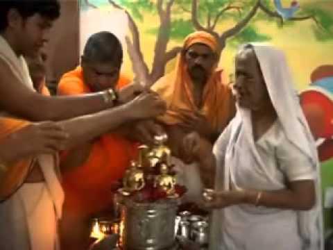 Digamber Jain Bhagvan Pe Mahila Abhishek Kyon Kare - Ashuchi Bhavna video