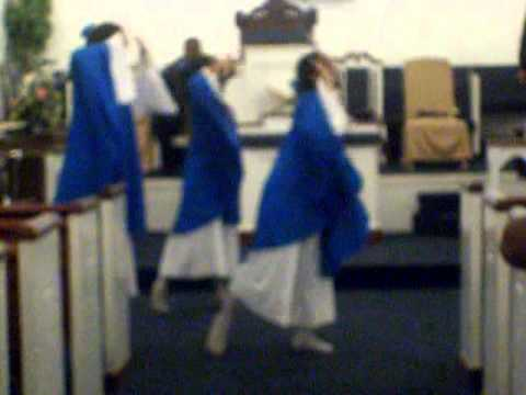 Praise Dance I Am What You See Bishop Paul Morton video